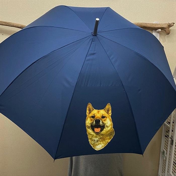 プレゼントに最適 長く使える丈夫な長傘 強風に強く壊れにくい 高品質グラスファイバー ワンタッチ式 ジャンプ式 ラッピング無料 ギフトにも人気 シバイヌ 柴犬 H 柴犬グッズ 傘 65cm 直径110cm かわいい レディース 梅雨 おしゃれ レイングッズ 風に強い 時間指定不可 雨傘 爆安プライス メンズ UVカット 犬プリント いぬ 耐風 男女兼用 犬柄 犬グッズ