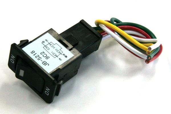 各種電装品のスイッチに  JBキャブ内スイッチ 日産・いすゞ用 ON-ON LED内蔵 ハーネス付 1個入