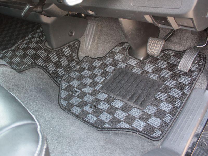 200系ハイエース S-GL ナローボディ用フロアマット フロントセット1台分 (運転席/助手席/セカンドシート)