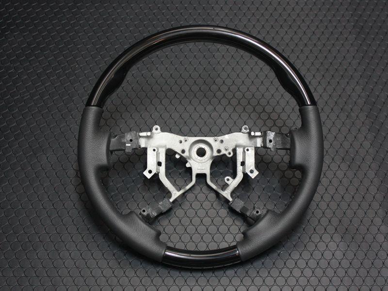 200系ハイエース4型コンビステアリング 【スタンダード】【ピアノブラック】