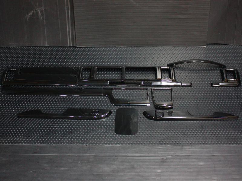 200系ハイエース ワイドボディ4型インテリアパネルキット【14点】【ピアノブラック】