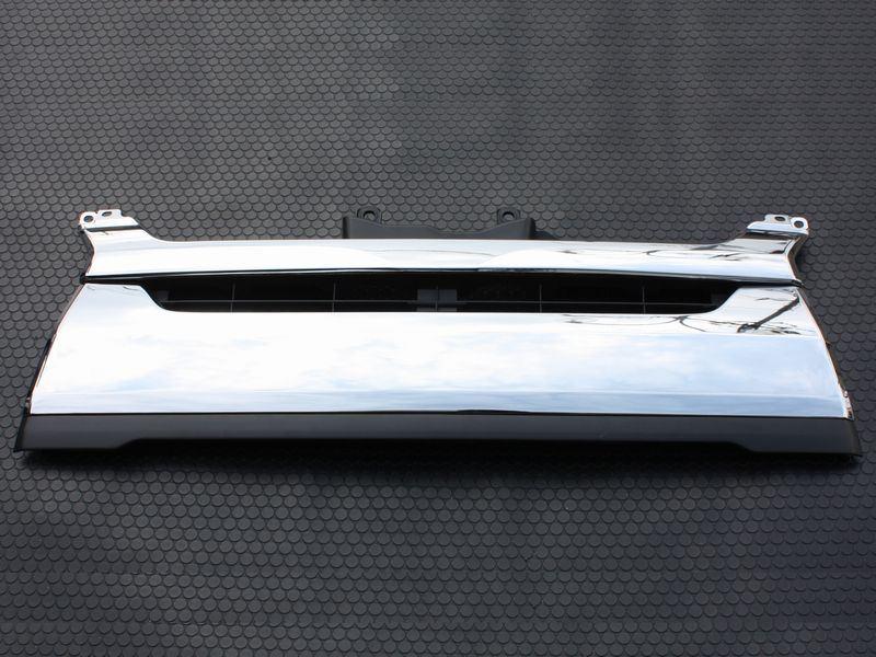 200系ハイエース ナローボディ4型純正タイプ クロームグリル