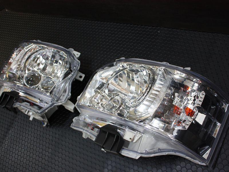 200系ハイエース 純正タイプ4型LEDヘッドライトクロームインナー(ハロゲン車交換用)