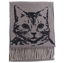 猫のお顔のインパクト大のマフラーです 供え ねこスカーフ グレー ソフトアクリル猫柄マフラー 激安価格と即納で通信販売