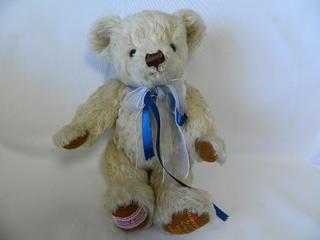 (テディベア)メリーソート テディベア IRONBRIDGE SHROPSHIRE 2002 YEAR BEAR MOP10C2 2002年 クリーム[未使用品]【中古】