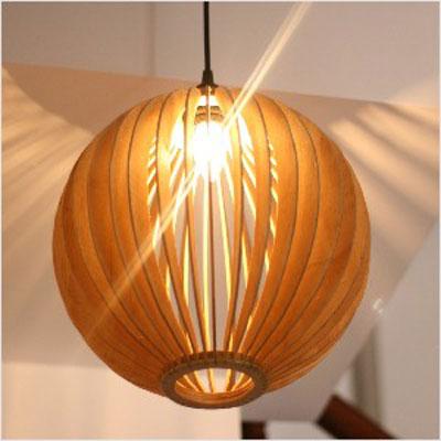 アジアン照明 おしゃれなデザインの照明器具木製シェード付き ペンダントライト 吊下げ 天井照明 リビング・ダイニング向けT-BLAND D254