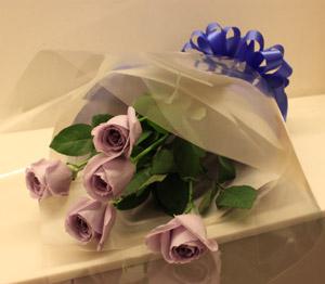 掌聲三得利藍玫瑰花朵的花束禮物禮品花慶祝