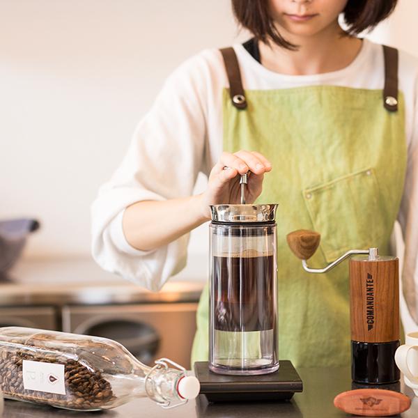 アメリカンプレスAMERICAN PRESSコーヒーがよりクリアで豊かな風味を抽出できます。スペシャルティコーヒー キャンプ 登山 プレゼント