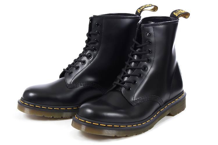 Dr.Martens(ドクターマーチン) 1460 8EYE BOOT(1460 8ホールブーツ) 10072004 ブラック