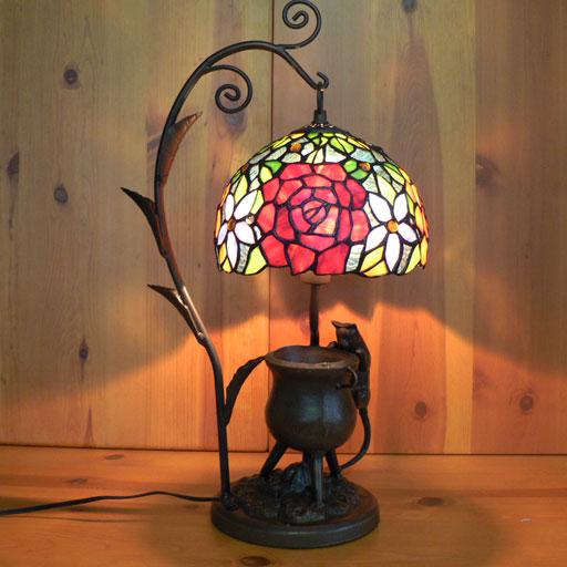 【送料無料】ステンドグラスランプ 吊り型1アーム 薔薇 (ロザンナ) こねこ(=^・^=)オブジェ付き 大型 30×h55【smtb-KD】 【照明・スタンド】