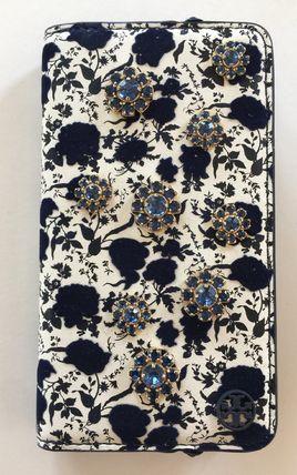 トリーバーチ TORY BURCH ブルーのビジューのお花カード入れ付き iPhone7/8手帳型 レザー 代引き不可【あす楽対応】