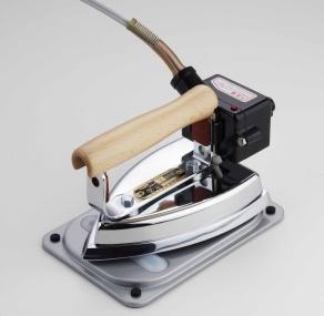 供工業使用的熨斗7型(120*180mm約2.8kg)自動類型溫度調節器在的(恒溫器)| 做的愉快