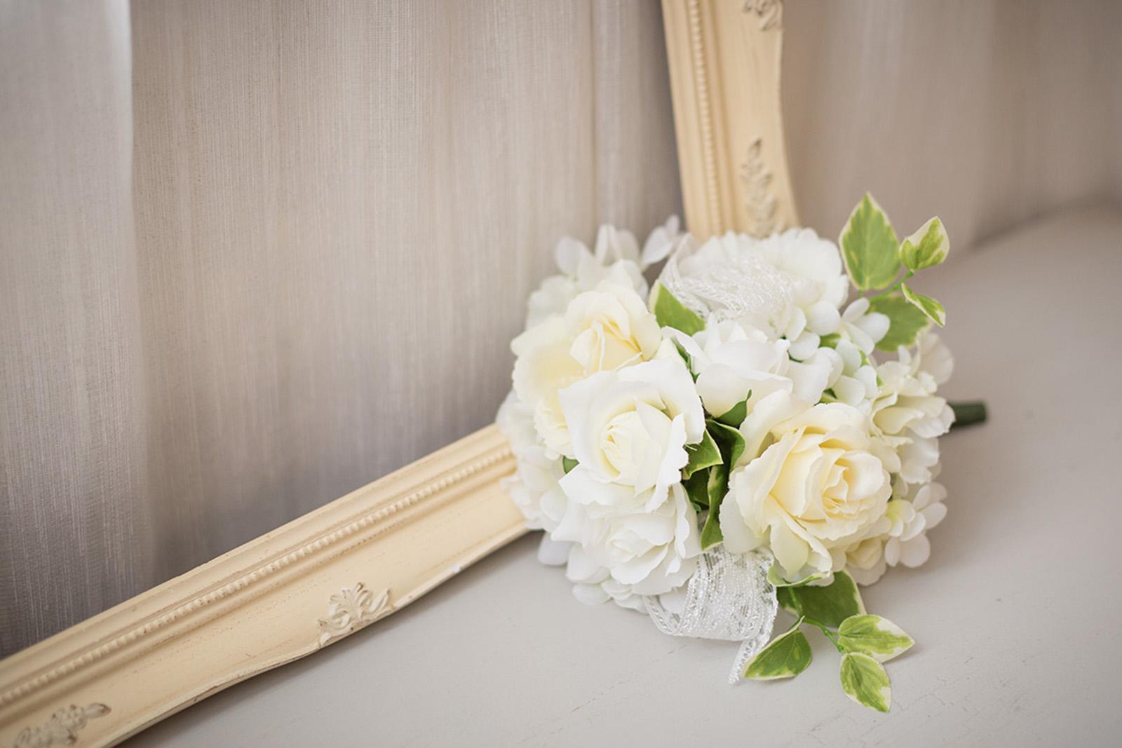 ブーケ 造花 オフホワイト 花束 挙式 チャペル 色直し 披露宴 花嫁 ブーケトス ブライダルブーケ ウェディングブーケ ウエディングブーケ ウェディング ウエディング オフホワイト