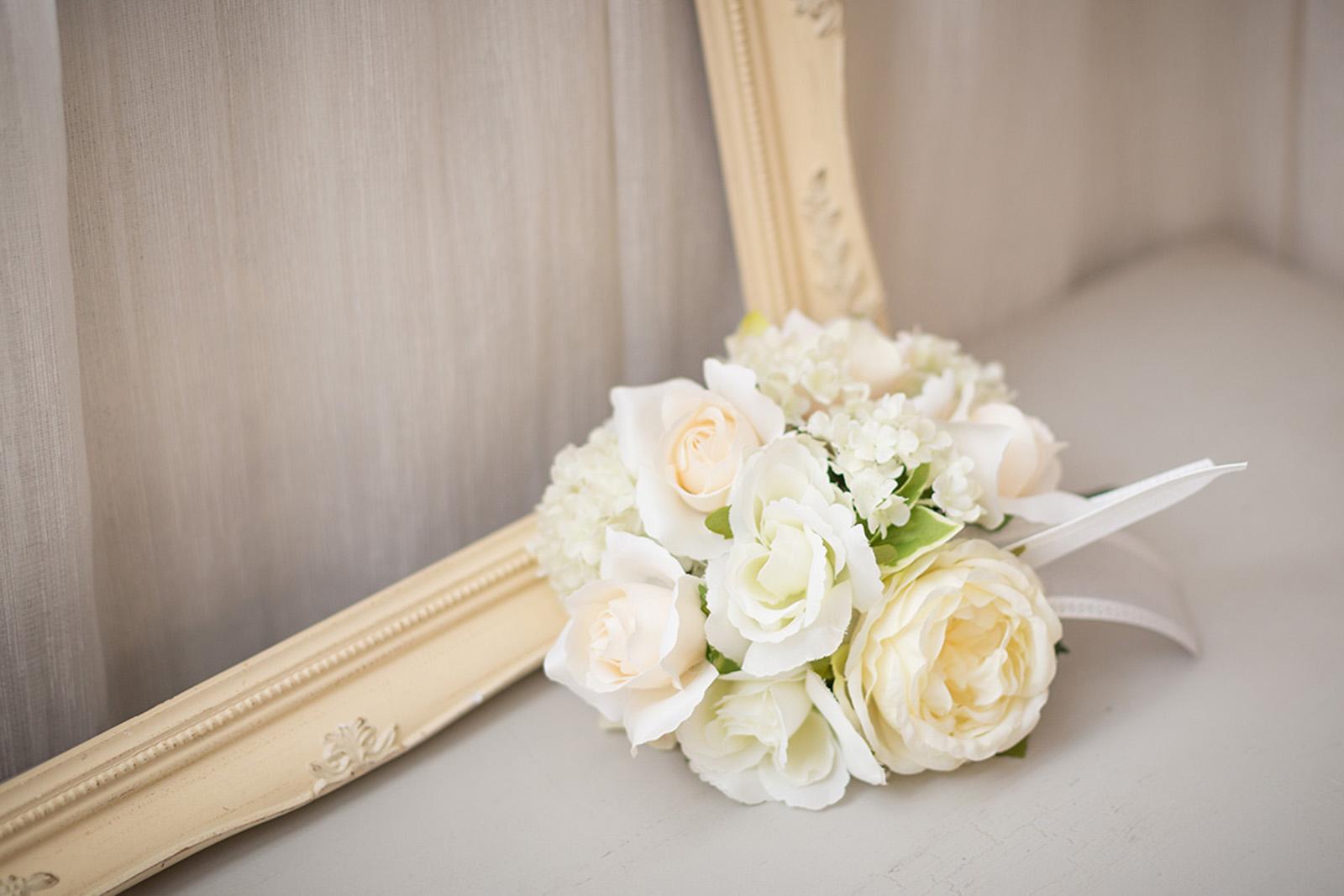 ブーケ 造花 オフホワイト 花束 挙式 チャペル 色直し 披露宴 花嫁 ブーケトス ブライダルブーケ ウェディングブーケ ウエディングブーケ ウェディング ウエディング オフホワイト ブライダル