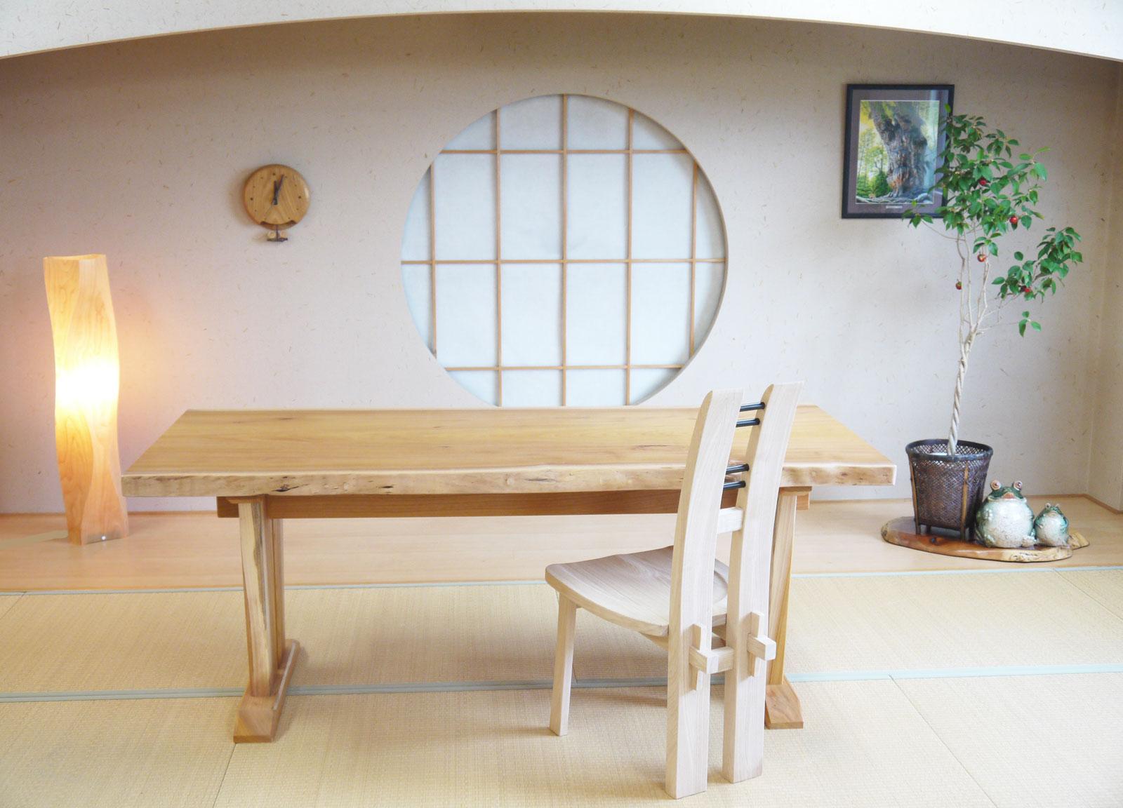 ~ダイニングテーブル~仕様:無垢 / 素材:欅