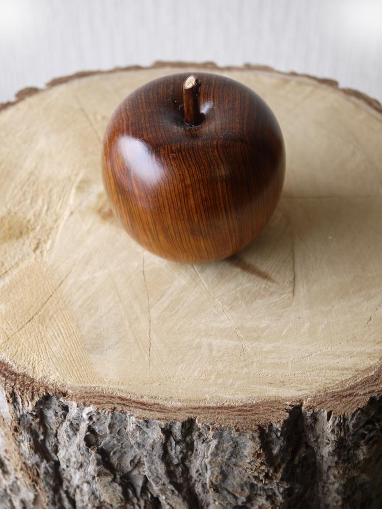 ~木のりんご ~仕様:無垢 / 素材:屋久杉油瘤