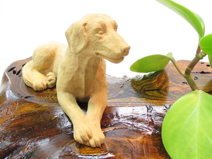 ~木彫り 犬~一刀彫 / 材料:柘植