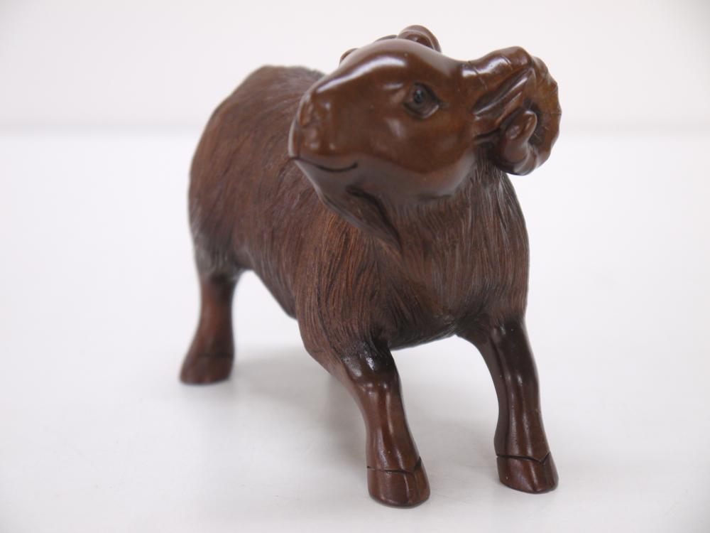 木彫り~羊~一刀彫 / 素材:柘植