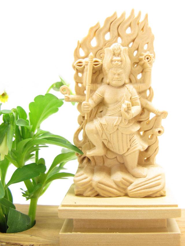 ~木彫り 仏像 烏枢沙摩明王~一刀彫 / 素材:柘植