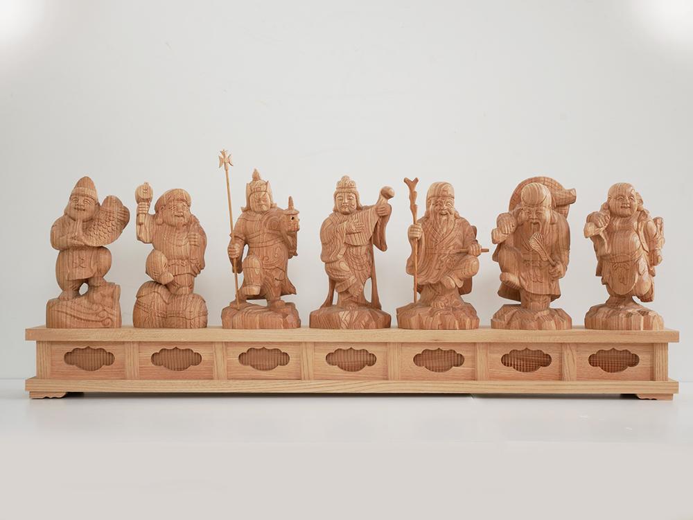 ~木彫リ 七福神~一刀彫 / 素材:けやき