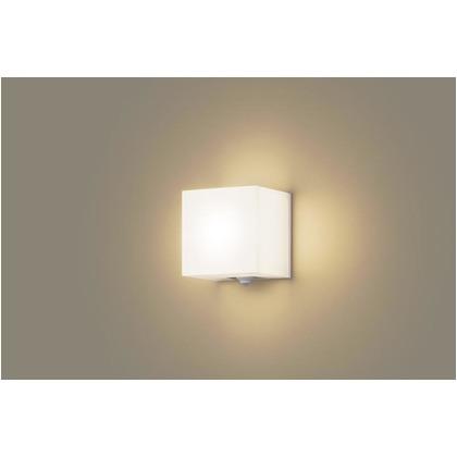 パナソニック LEDアウトドアブラケット 電球色 40形電球1灯相当 熱線・明るさセンサ付 防雨型 長さ (cm):14.幅(cm):15.8.高さ(cm):12.1 LSEWC4017LE1