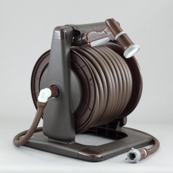 三洋化成 アーバンブラウンリール 本体:ブラウンメタリックドラム:ブラウンホース:ブラック×ブラウン サイズ:37.6×43×36cm散水ホースサイズ;内径:15mm/長さ:30m給水ホース長さ:1.0m URB5-Q307R 1個