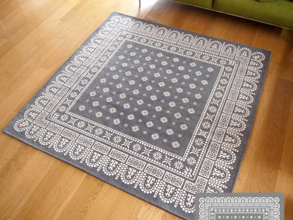 【送料無料】flower bandanna rug gray フラワー バンダナ ラグ グレー LL 200×200cm おしゃれ ホットカーペット 床暖房対応