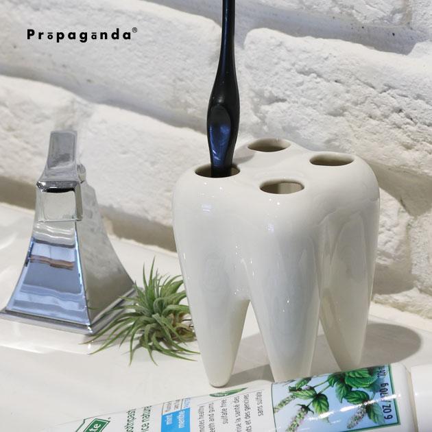 歯の形の歯ブラシスタンド おしゃれな歯ブラシホルダー 歯ブラシスタンド おしゃれ 歯ブラシ ホルダー 高級 歯ブラシ立て スタンド 歯ブラシホルダー 高級 洗面グッズ かわいい ホワイト モノトーン プロパガンダ 白 開業祝 PROPAGANDA 陶器 おもしろ雑貨 インテリア 歯医者 TOOTHBRUSH モノクロ HOLDER おもしろグッズ