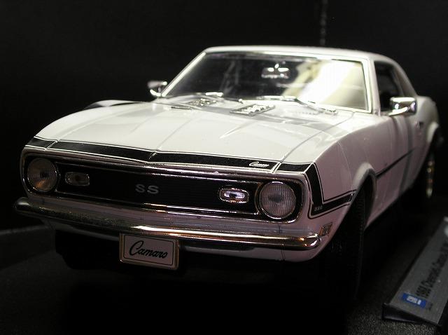 新品 ミニカー WELLY 1968 Chevrolet Camaro SS 396 1/18 白 /アメ車/US/MINI CAR/