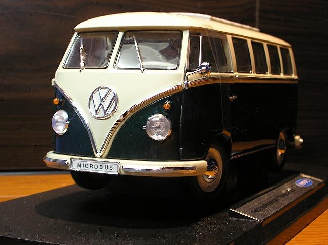 新品 ミニカー WELLY 1962 Volkswagen Bus 1/18 緑 /アメ車/US/MINI CAR/