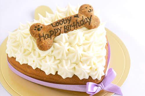 人間用と同じ素材でワンコのためにパティシェがひとつずつ手作りしています ワンコ 犬用 デコレーションケーキ ハート 手作り 直営ストア 無添加 誕生日 ごはん プレゼント メッセージ ケーキ ごちそう 一緒に食べられます メーカー直送