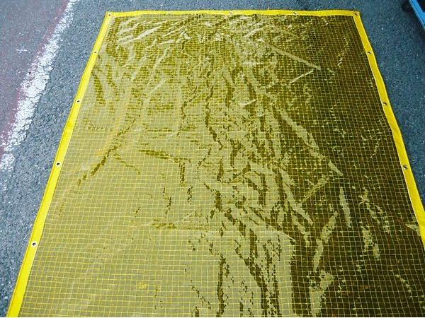 ビニールカーテン 防虫 糸入り 0.3mm厚x幅500-600cmx高さ130-150cm