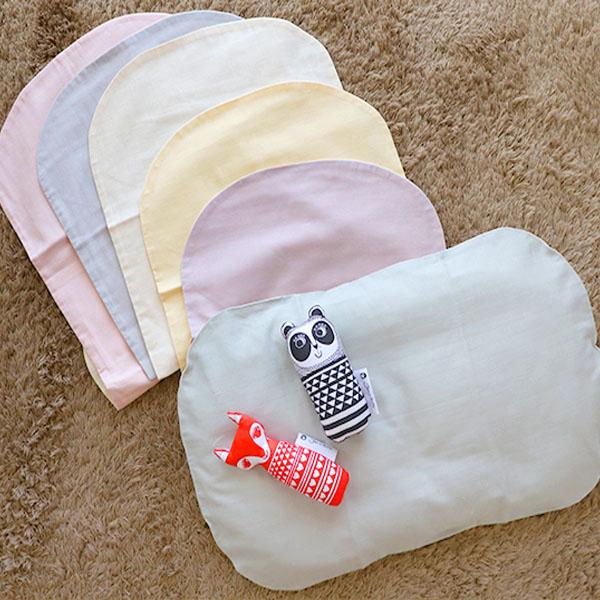 ファーストふとん専用のカバーです。枕カバーの要領で被せるだけなのでつけ外しカンタン ダブルガーゼ・ファーストふとん(抱っこ布団)カバー