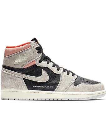 バスケットシューズ バッシュ スニーカー  ジョーダン ナイキ Jordan Air Jordan 1 Retro HI OG N.Gry/H.Crimson/Wht/Blk  ストリート