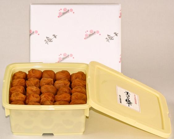 苗から育てた手作り梅!紀州和歌山の美味しい梅と言えばこれ!!味梅(特選) はちみつ入り 1.5kg【楽ギフ_のし】