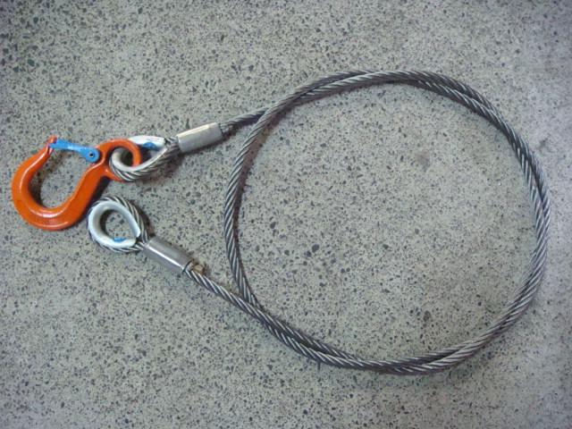 割引も実施中 安心と信頼 ロック止めワイヤー フック付 JIS玉掛ロック加工ワイヤー 10mm×3M V1.25tフック付 両シンブル
