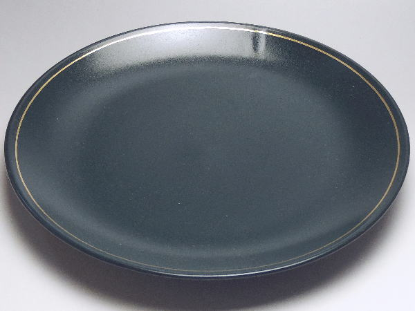 B級品 倉庫 濃緑彩割烹揃い 祝開店大放出セール開催中 丸皿 φ255 普段使いの食器