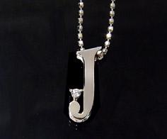 K18 ダイヤモンド イニシャル ペンダント トップ 「J」ネックレス ゴールド ダイアモンド アルファベット 18K 18金 誕生日 4月誕生石 メッセージ ギフト 贈り物