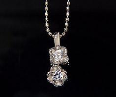 K18 ダイヤモンド 0.125ct フラワー ペンダント トップ ネックレス ゴールド ダイアモンド 18K 18金 誕生日 4月誕生石 メッセージ ギフト 贈り物