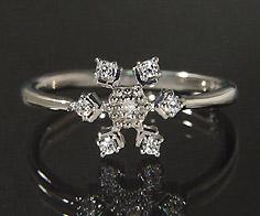 【GWクーポン配布中】K18 ダイヤモンド 0.10ct リング送料無料 指輪 18K 18金 ゴールド ダイアモンド 雪の結晶 スノー 誕生日 4月誕生石 刻印 文字入れ ピンキーリング メッセージ ギフト 贈り物