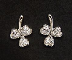 K18 ダイヤモンド 0.10ct クローバー スタッドピアス送料無料 イヤリング 18K 18金 ゴールド ダブルロック ダイアモンド 誕生日 4月誕生石 記念日 メッセージ ギフト 贈り物