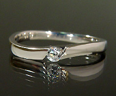 K18 ダイヤモンド リング 指輪 18K 18金 ゴールド ダイアモンド 誕生日 4月誕生石 刻印 文字入れ ピンキーリング メッセージ ギフト 贈り物