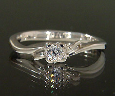【GWクーポン配布中】K18 ダイヤモンド フラワー リング送料無料 指輪 18K 18金 ゴールド ダイアモンド 誕生日 4月誕生石 刻印 文字入れ ピンキーリング メッセージ ギフト 贈り物