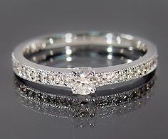 K18 ダイヤモンド リング 指輪 ダイアモンド ゴールド 18K 18金 ミル打ち 誕生日 4月誕生石 刻印 文字入れ メッセージ ギフト 贈り物 ピンキーリング対応可能
