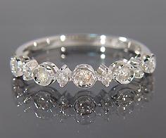 """自分らしさ""""が輝く K18 ダイヤモンド リング送料無料 指輪 ダイアモンド ゴールド 18K 18金 誕生日 4月誕生石 刻印 文字入れ メッセージ ギフト 贈り物 ピンキーリング対応可能"""