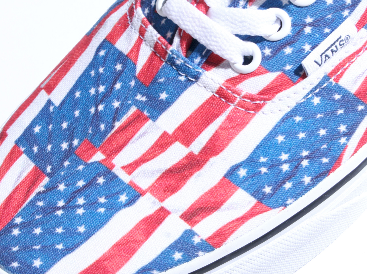 VANS AUTHENTIC(VN0004MKIE7) (Free Flag)Red/True White