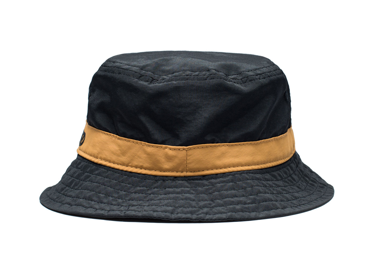 UNDEFEATED NYLON BUCKET HAT (162-532337)