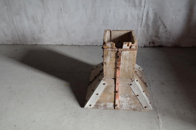 SALE Vintage Furniture ヴィンテージ家具フランス Antique アンティーク 建築用柱 建築部材 サイドテーブル 美術品 店舗什器 フレンチヴィンテージ ディスプレイ台 フレンチアンティーク セール品 お得なキャンペーンを実施中 中古 アート ART ブロカント