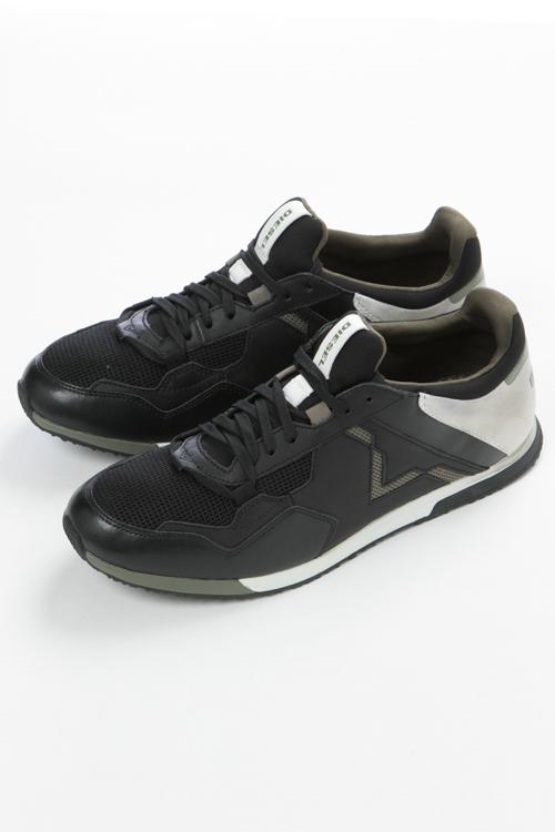 ディーゼル DIESEL 男女兼用 スニーカー シューズ 25%OFF 靴 メンズ ローカット REMMI-V P1518 sneakers Y01462 ブラック S-FURYY - 送料無料