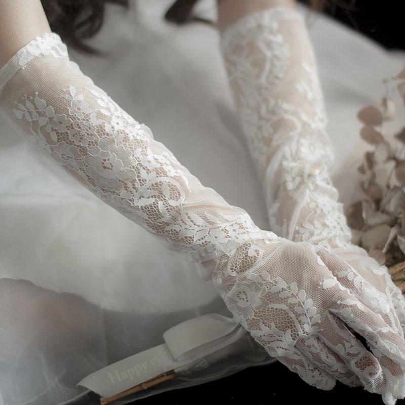 ウエディング グローブ 花嫁 小物 結婚式 ブライダル glove 花嫁手袋 二次会 レディース 手袋 ウェディング 優雅 可愛い 挙式 透け感 wedding 上品 レース 撮影道具 披露宴 割引も実施中 ロング パーティー手袋 オフホワイト 購買
